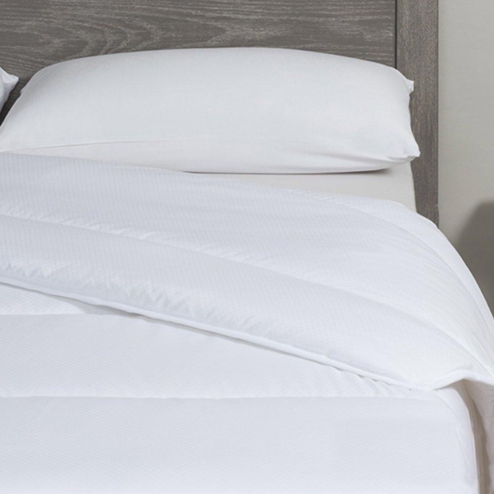 couette anti acariens et 250gr velfont. Black Bedroom Furniture Sets. Home Design Ideas